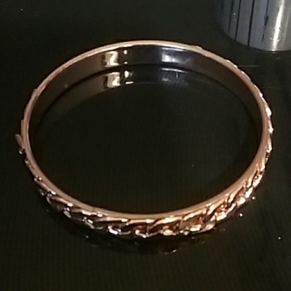 Jewelry - BRAND NEW PLUS SIZE ROSE GOLD METAL CHAIN BANGLE